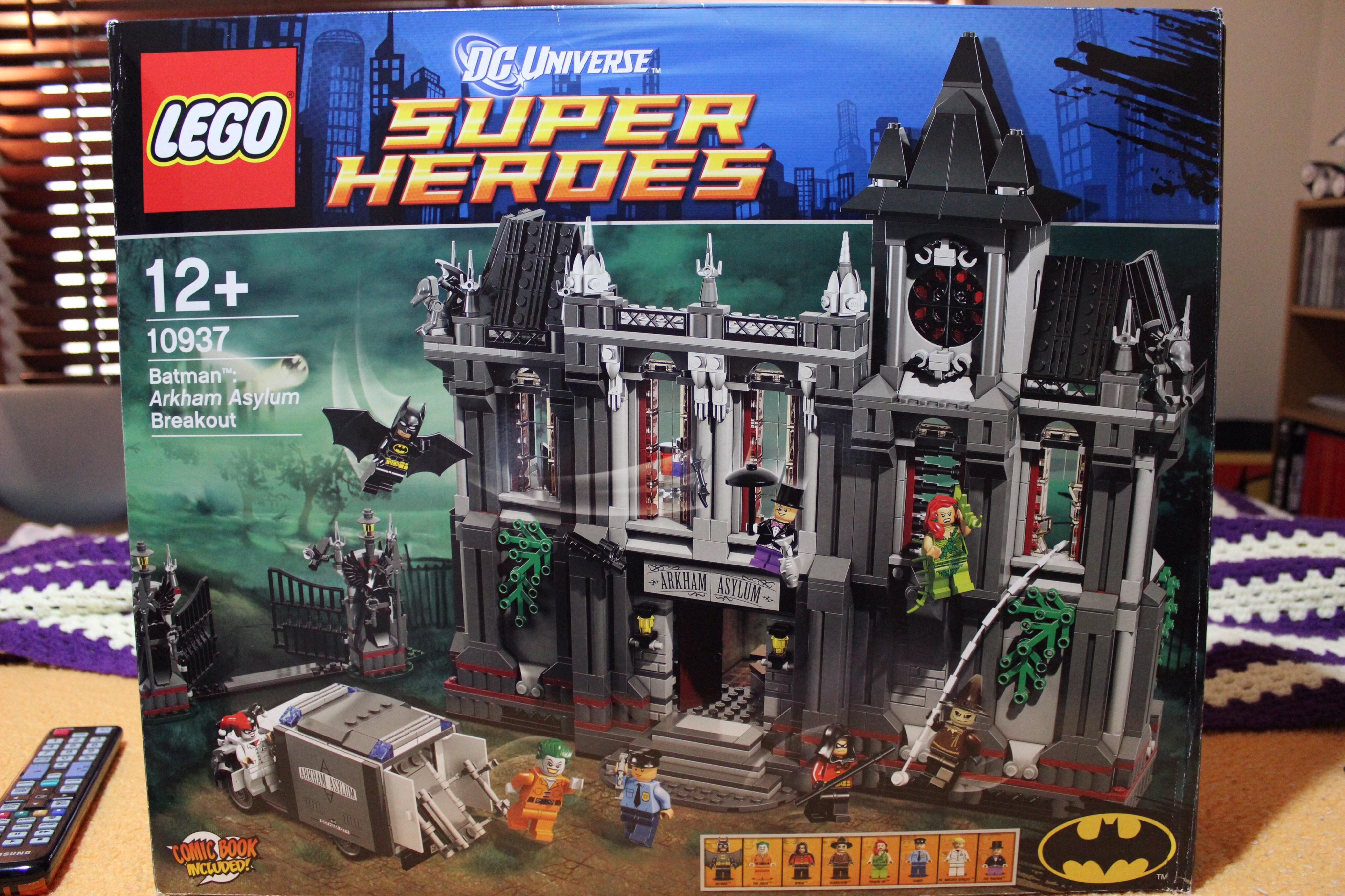 Lego Batman Sets 2014: LEGO Batman: Arkham Asylum Breakout 10937 REVIEW