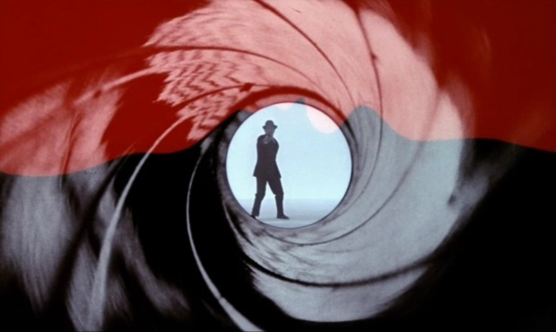 Bob Simmons as James Bond in place of Sean Connery