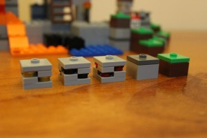 Gold, Coal, Redstone, Cobblestone and Dirt pieces. Just some of the detail this small set packs.