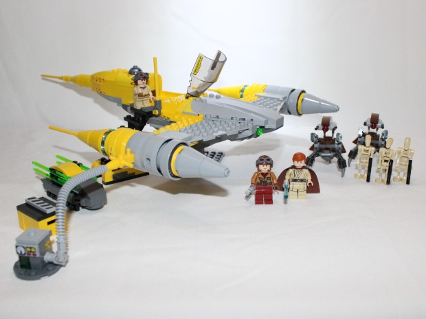 LEGO 75092 Naboo Starfighter complete set