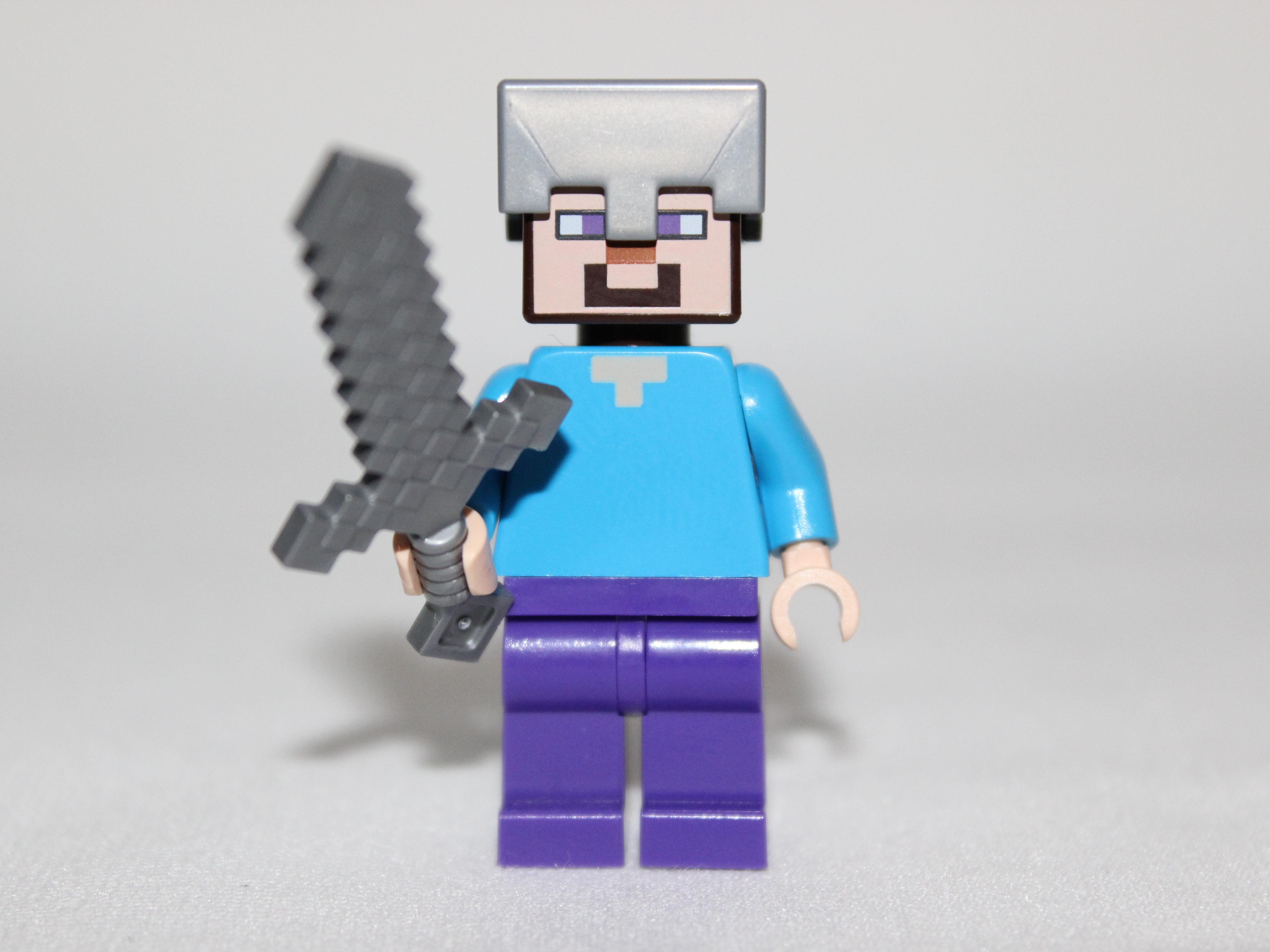 STEVE w// DIAMOND ARMOR//HELMET//PANTS PICKAXE//SWORD LEGO MINECRAFT